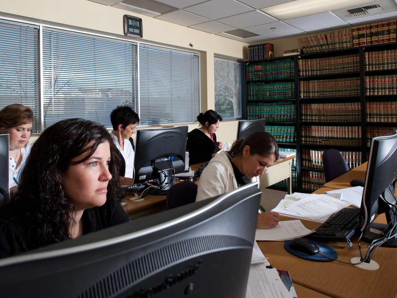 how to become a paralegal instructor