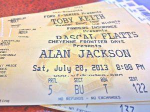 cheyenne frontier day concert tickets
